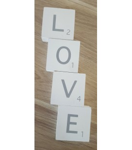 Mot LOVE scrabble en bois
